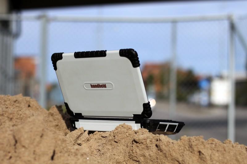 algiz-xrw-rugged-notebook-in-sand