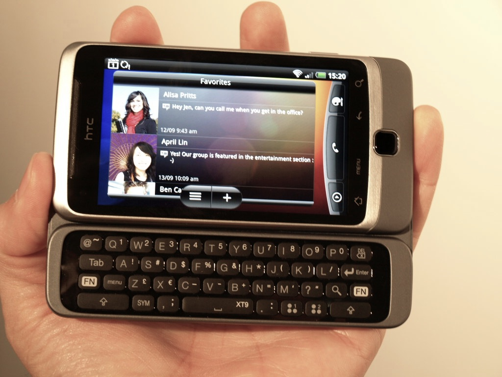htc-desire-z-hands-on-review-11