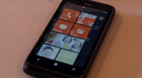 htc-7-trophy-windows-phone-7-hands-on-wp7-1