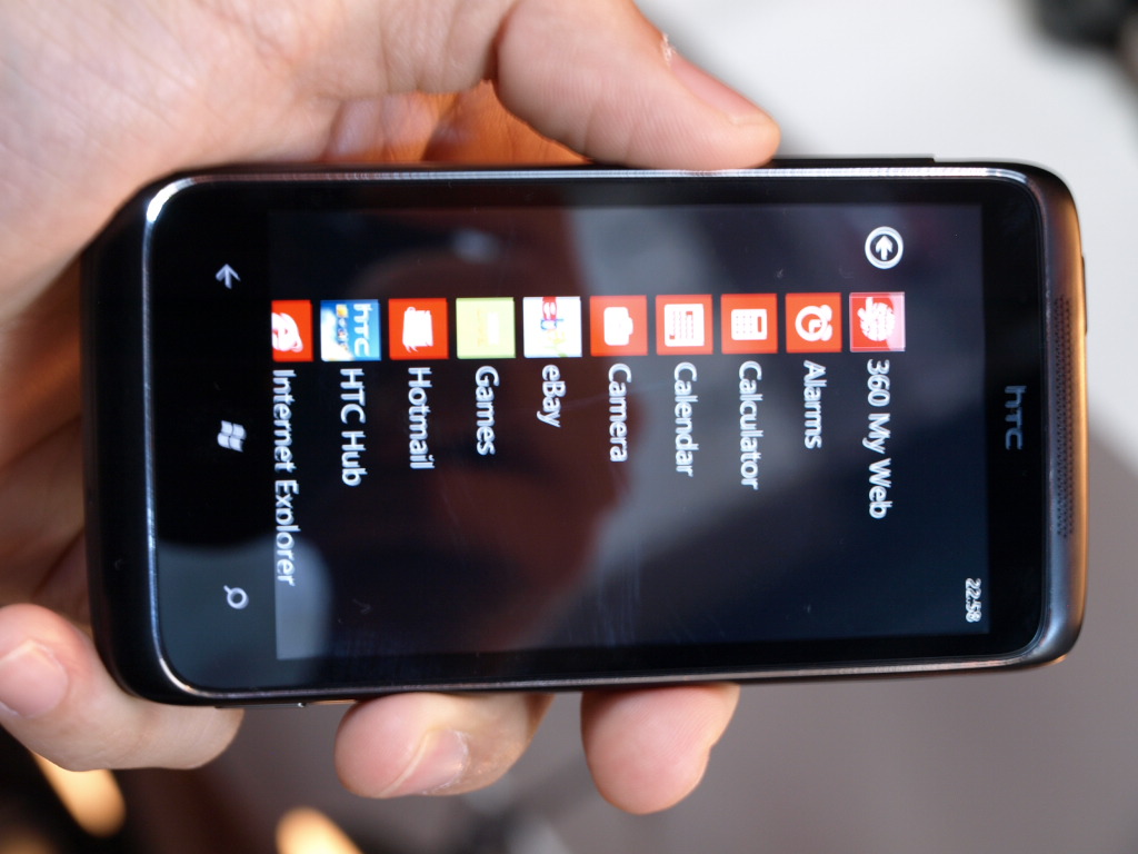 htc-7-trophy-windows-phone-7-hands-on-wp7-10