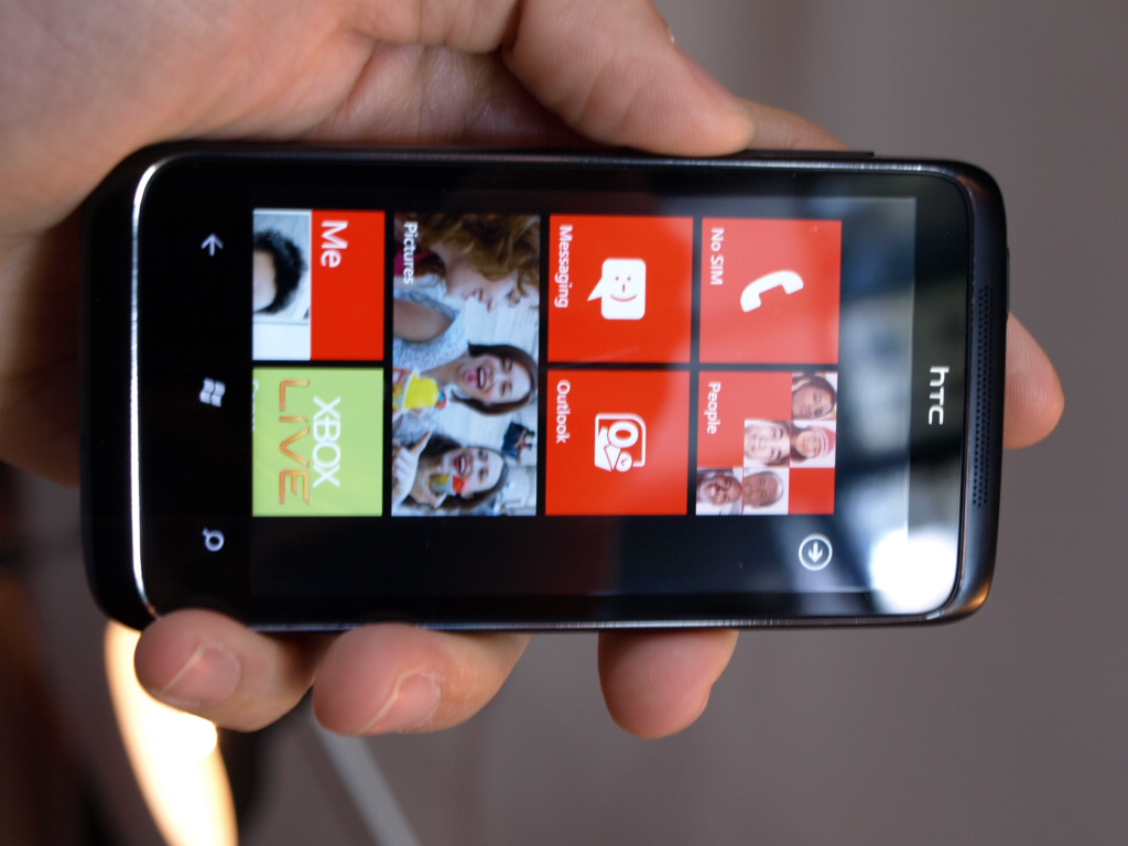 htc-7-trophy-windows-phone-7-hands-on-wp7-2