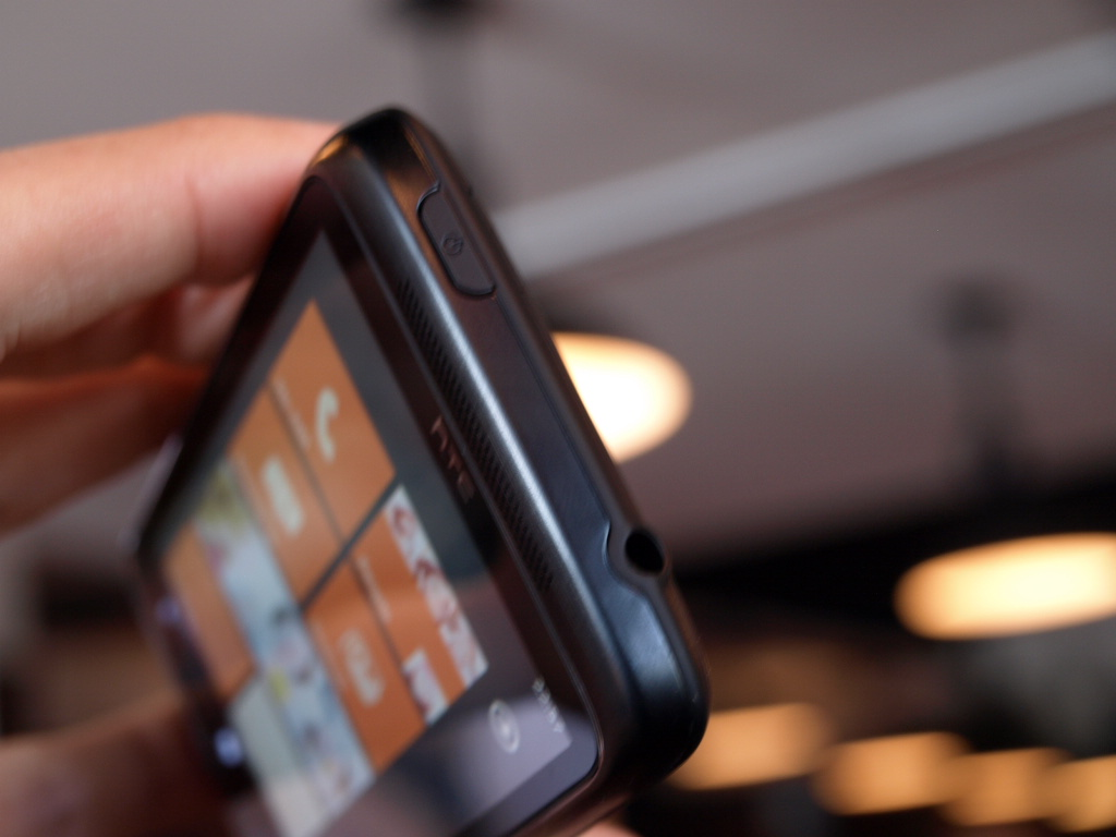 htc-7-trophy-windows-phone-7-hands-on-wp7-7