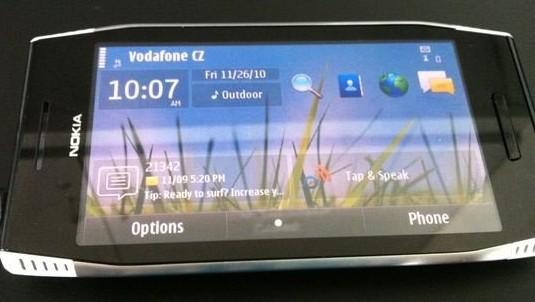 Nokia-X7-00-1