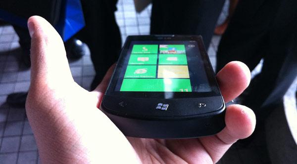 WP7_SmartphoneLG_5