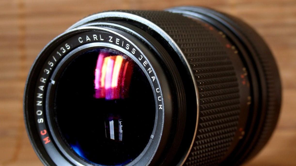 Carl_Zeiss_Sonnar_lens_001 copia