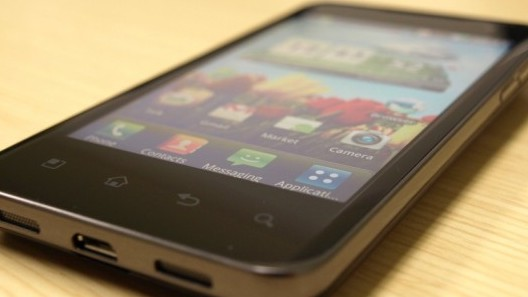 lg-optimus-2x-star-nvidia-tegra-2-dual-core-hands-on-review-3-660x495