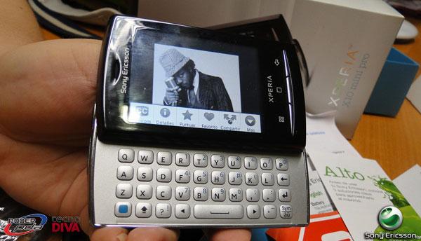 SonyEricsson-Xperia-X10-MiniPro_8