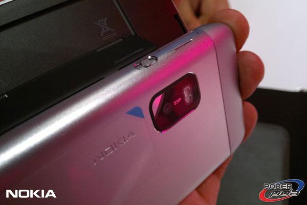 Nokia-E7-&-C6-01_19