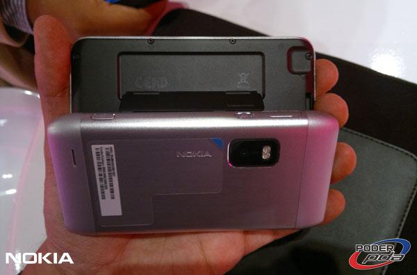 Nokia-E7-&-C6-01_20