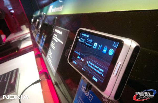 Nokia-E7-&-C6-01_21