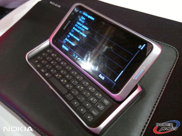 Nokia-E7-&-C6-01_24