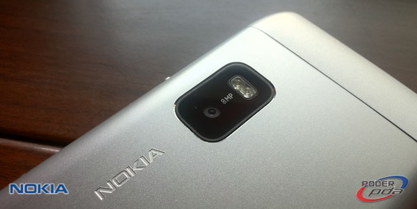 Nokia E7_10
