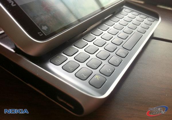 Nokia E7_17
