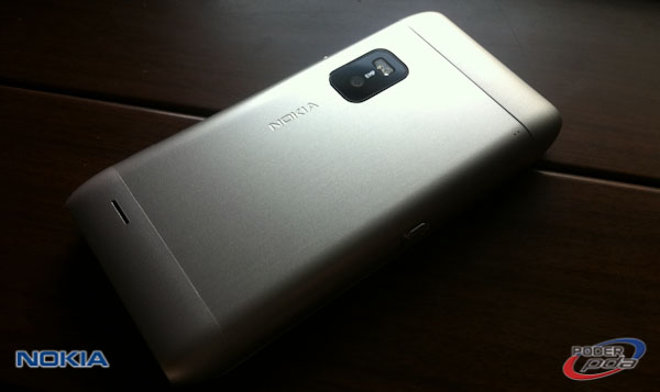 Nokia E7_9