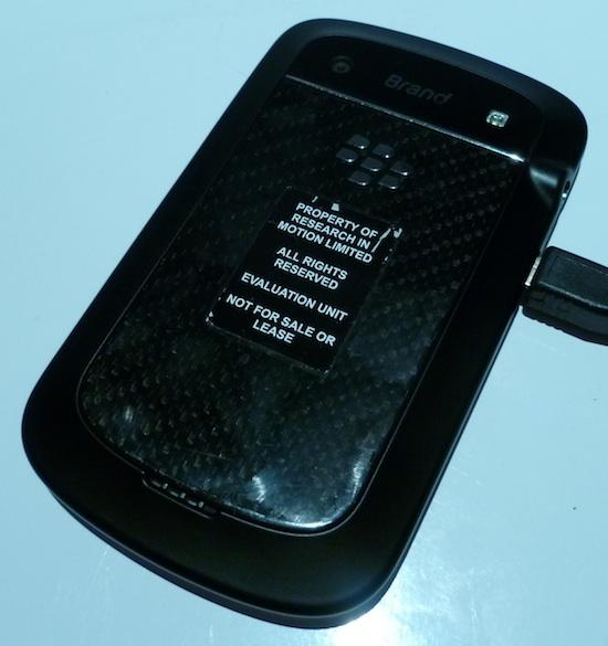 blackberry-bold-9900-back