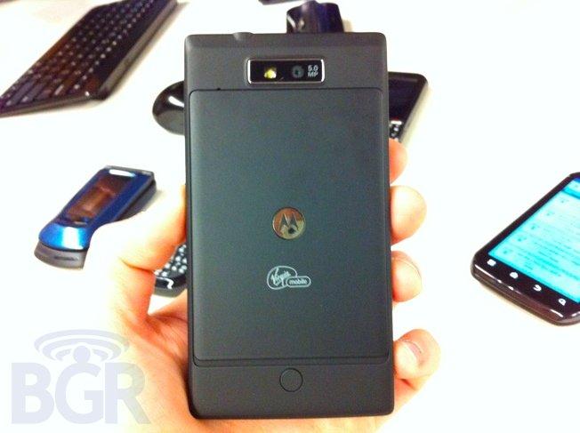 Motorola-Triumph-back110609154214