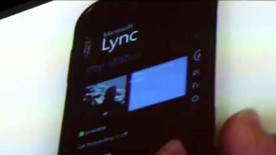 Microsoft-shows-off-Lync-Mobile