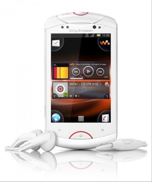 live-with-walkman-520x621