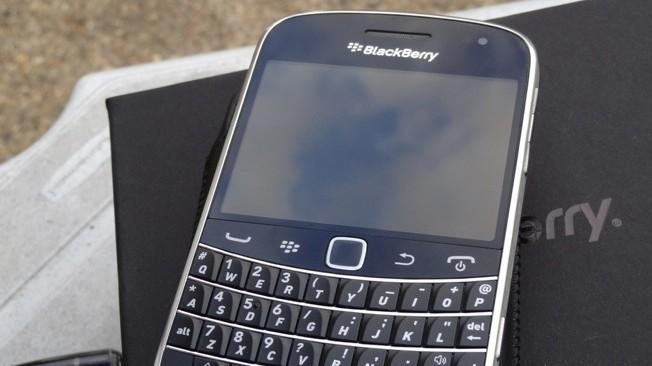 BlackBerry-Bold-9900110919174436