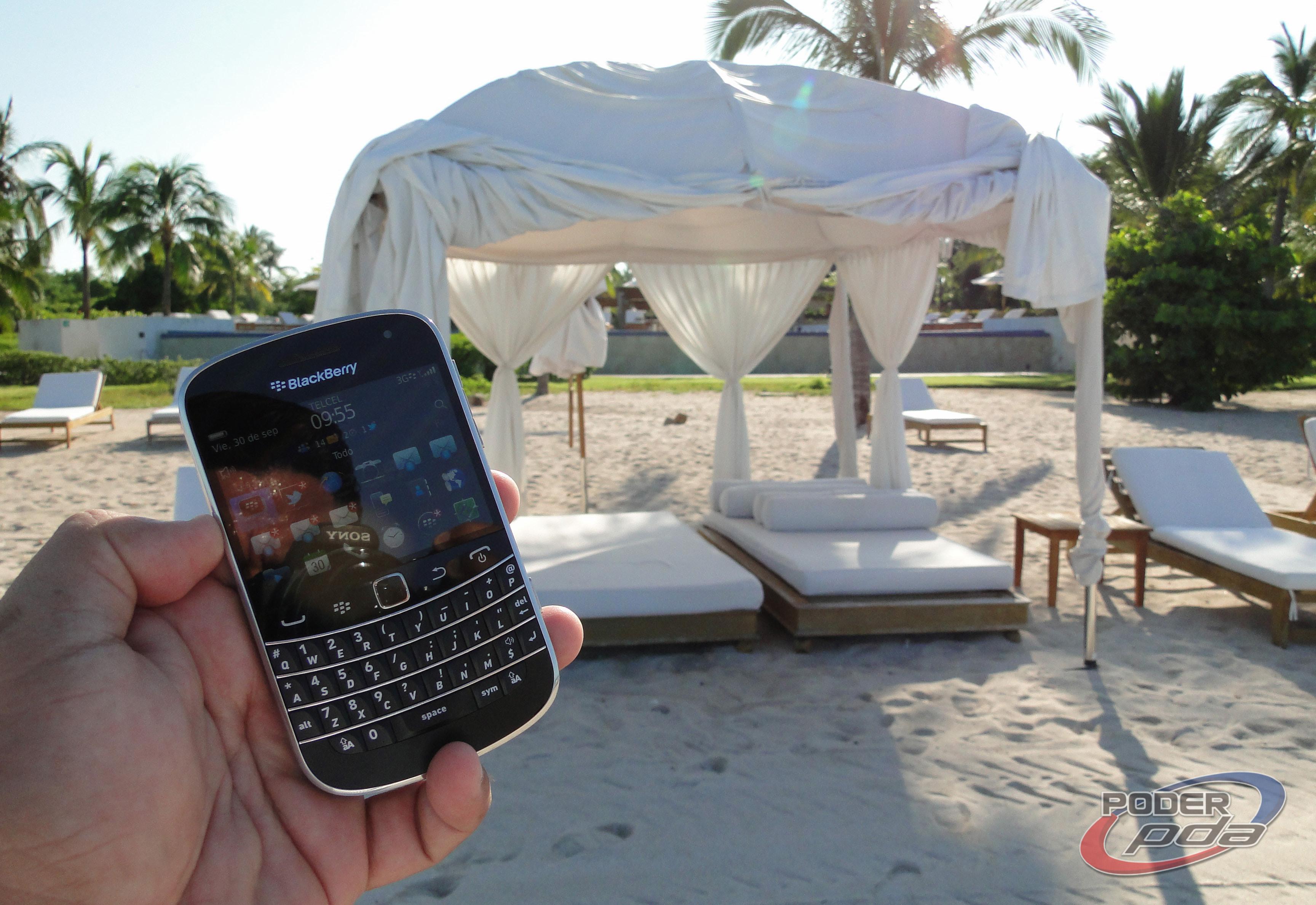 BlackBerry_Bold_9900_-25