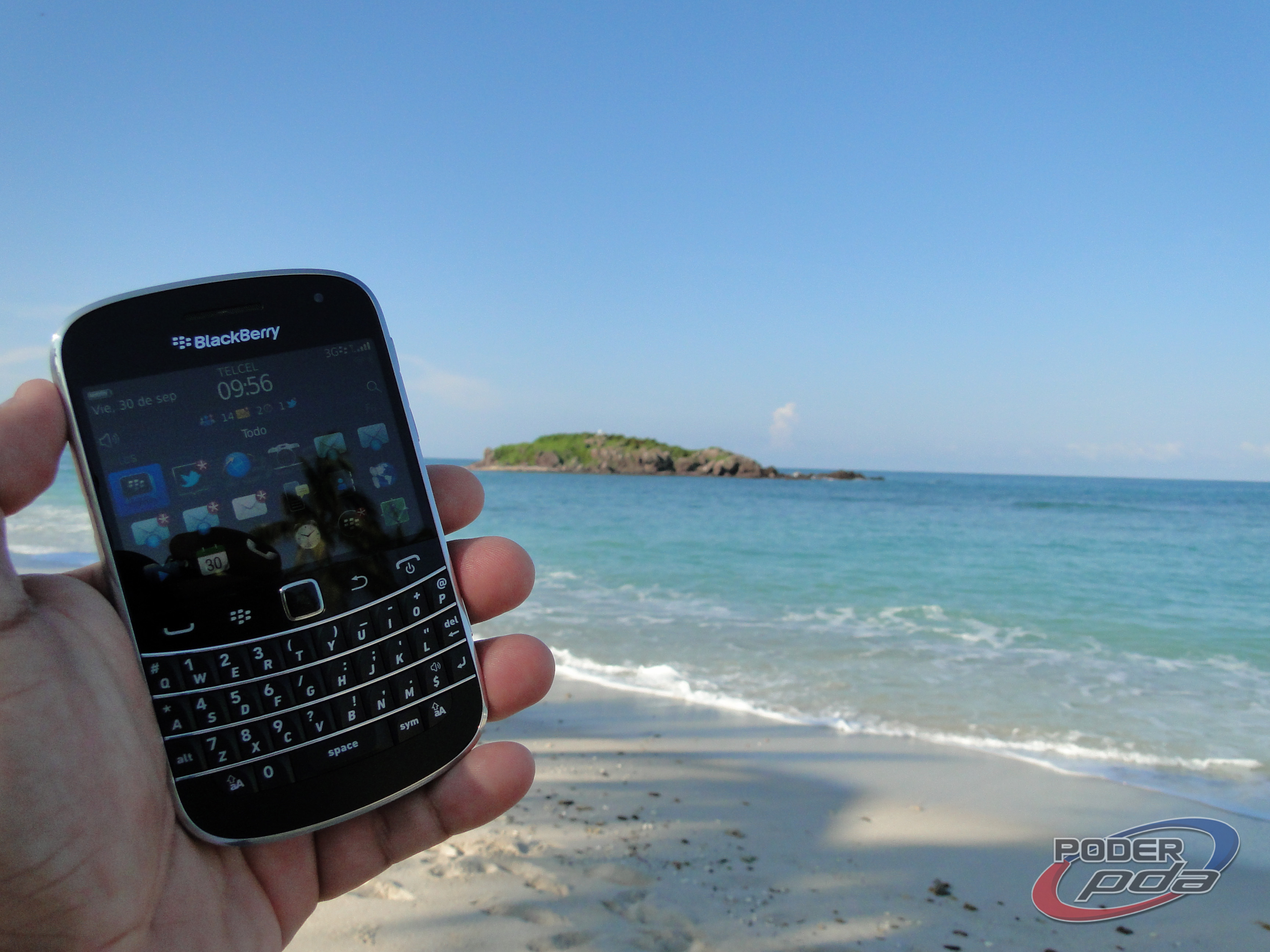 BlackBerry_Bold_9900_-26