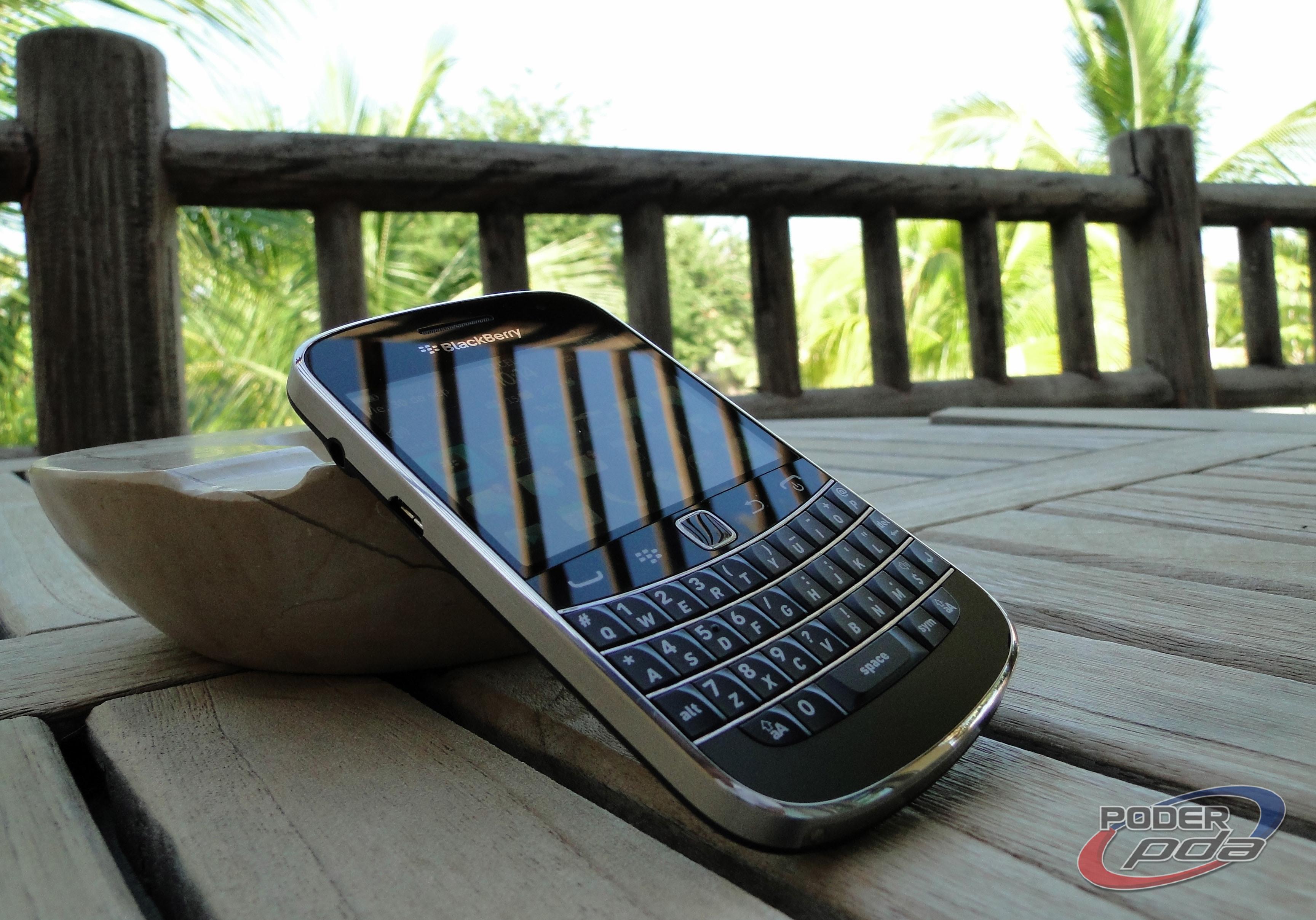 BlackBerry_Bold_9900_-28