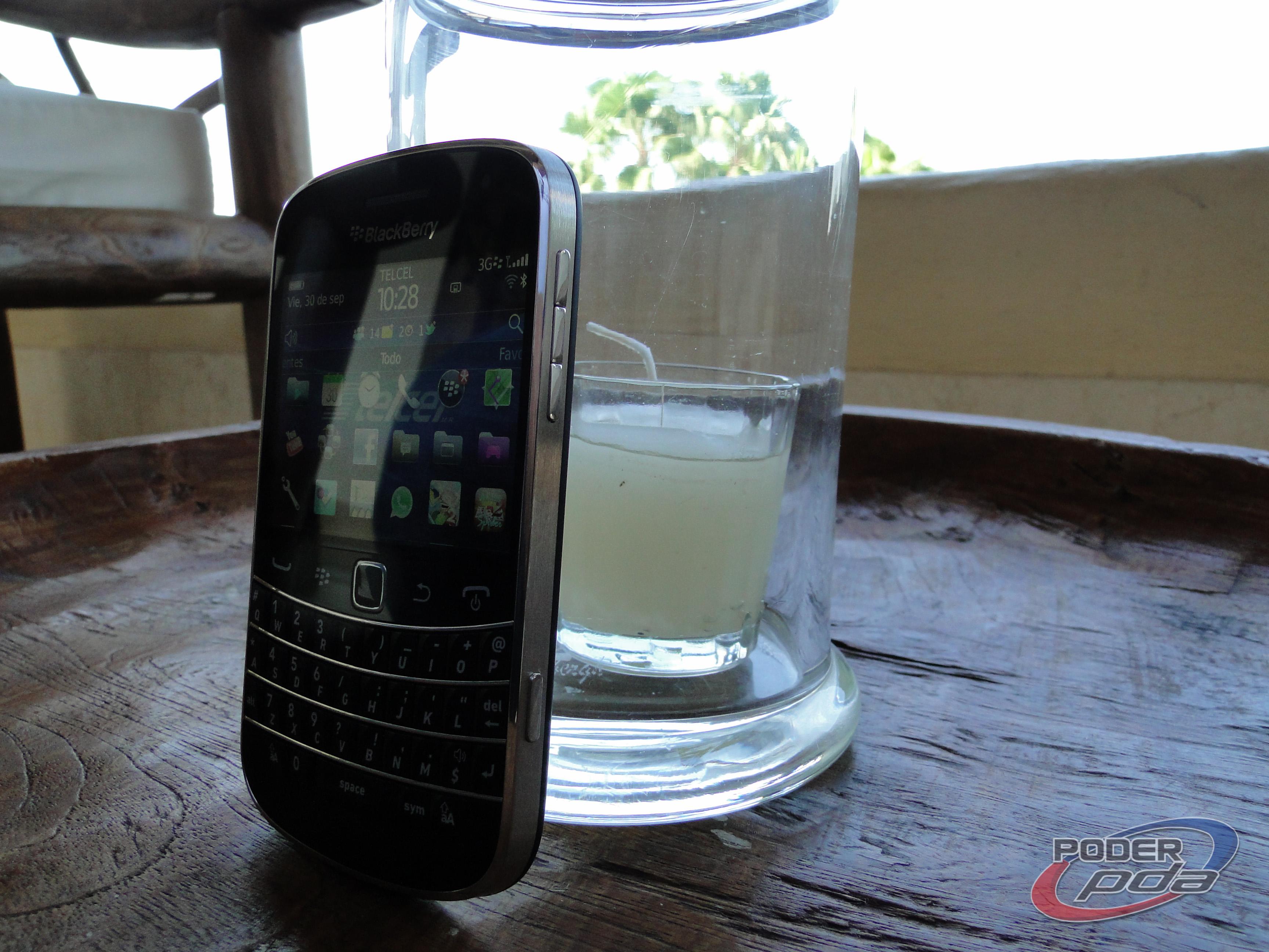 BlackBerry_Bold_9900_-33