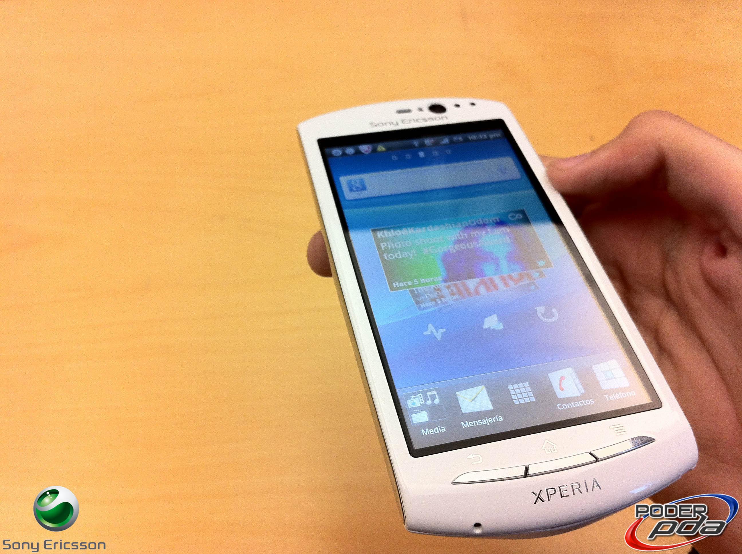 Xperia Neo V Black Xperia Neo V de Sony E...