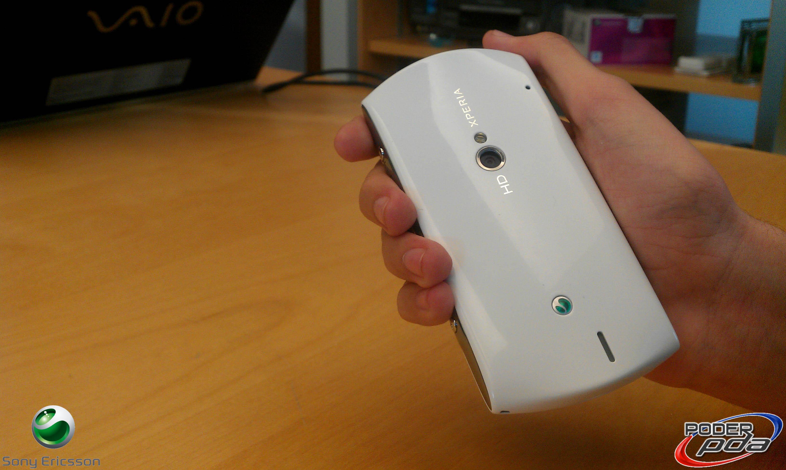 Sony-Ericsson-Xperia-Neo-V-en-Mexico-3