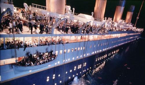 titanic-ships-wheel