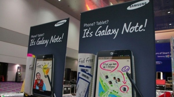Samsung-Galaxy-Note-ATT-Posters-CES-2012-00
