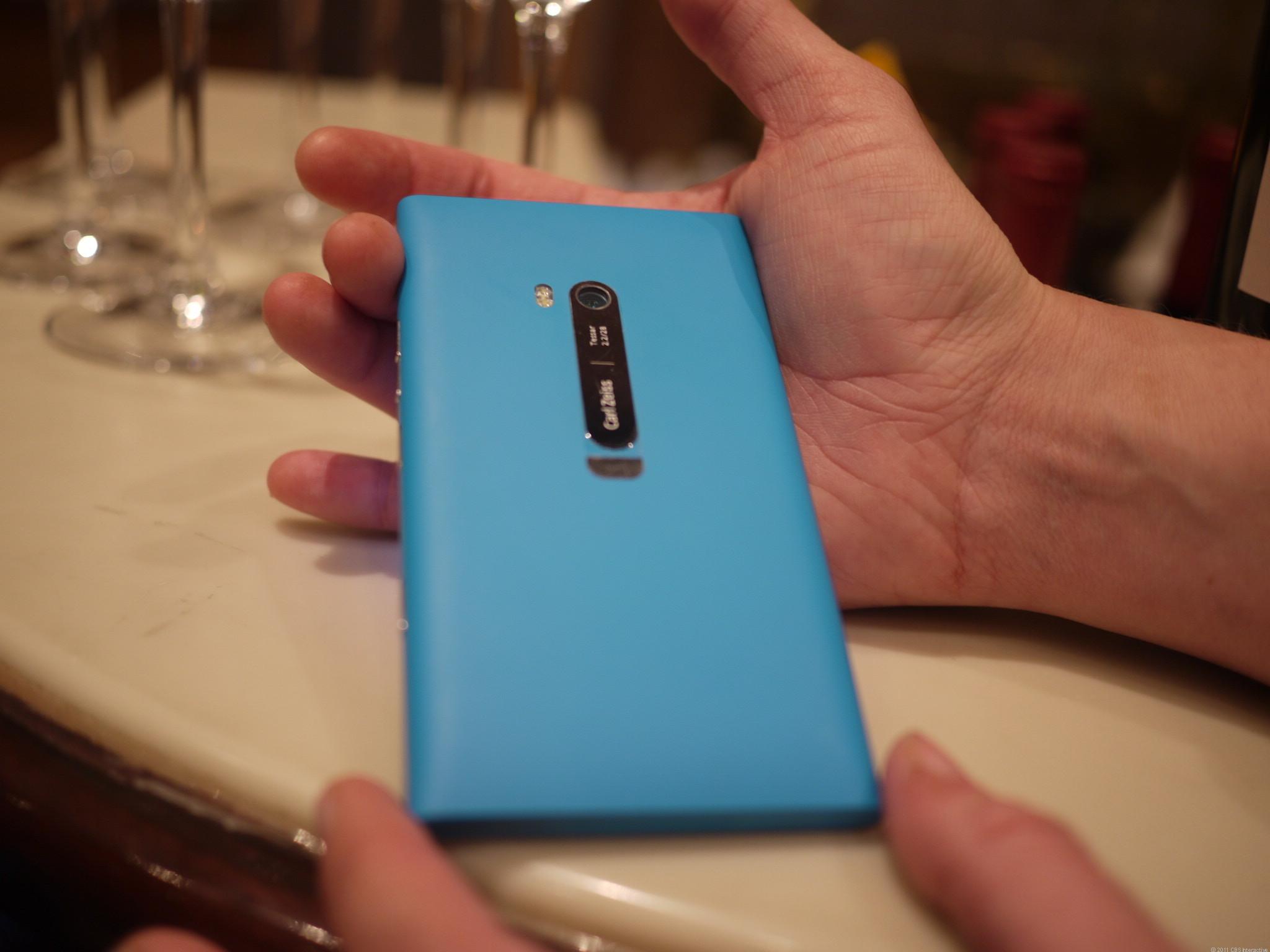 nokia-lumia-900-best-of-ces-2012-5