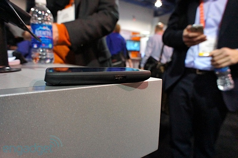 viewsonic-viewphone-3-ces-2012-12