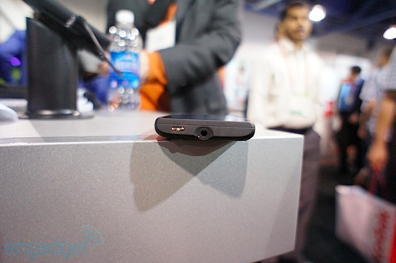viewsonic-viewphone-3-ces-2012-13