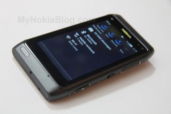Nokia-Belle-N813