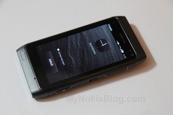 Nokia-Belle-N823