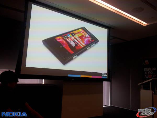 Nokia-Lumia-800-Mexico-Presentacion-1