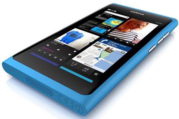 Nokia-N9-Cyan5