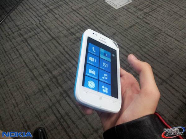 Nokia-Lumia-710-Mexico-4