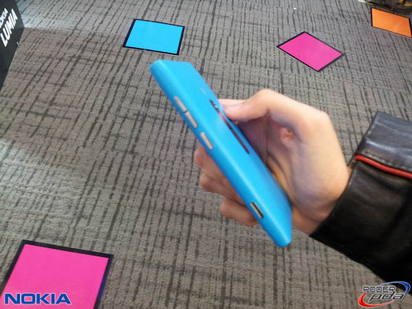Nokia-Lumia-800-Mexico-3