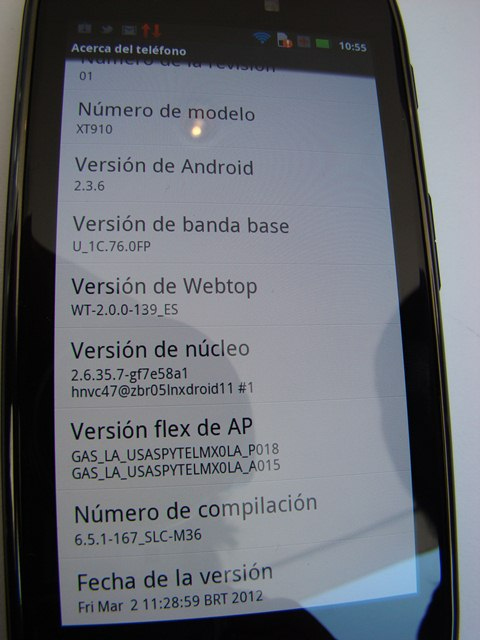 Motorola RAZR MAXX 12
