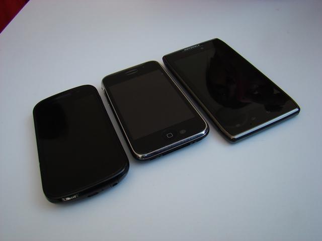 Motorola RAZR MAXX 24