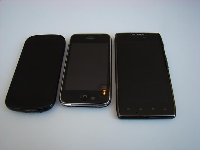 Motorola RAZR MAXX 26