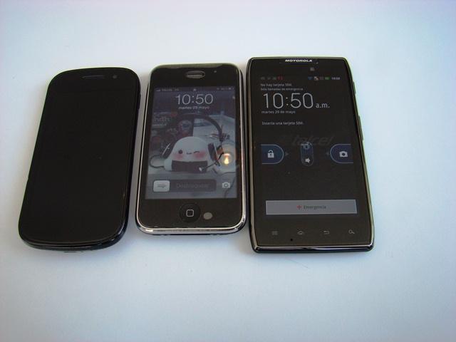 Motorola RAZR MAXX 27