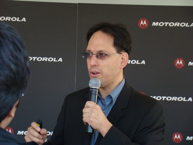 Motorola RAZR MAXX 28