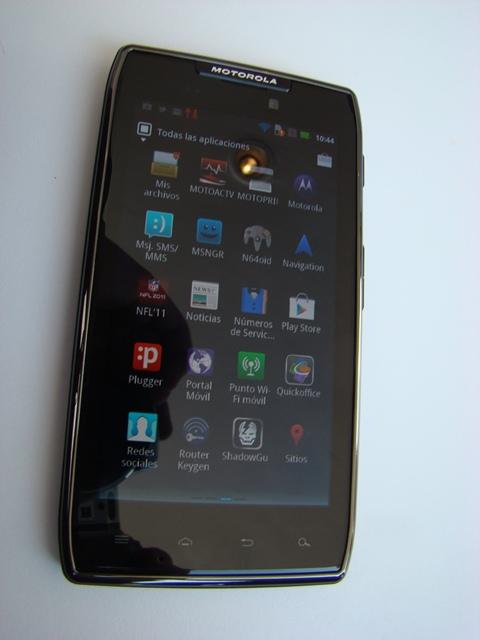 Motorola RAZR MAXX 38