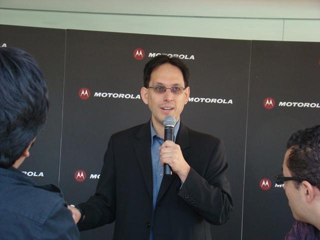 Motorola RAZR MAXX 51