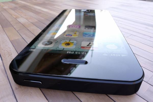 3d-render-iphone-5-2