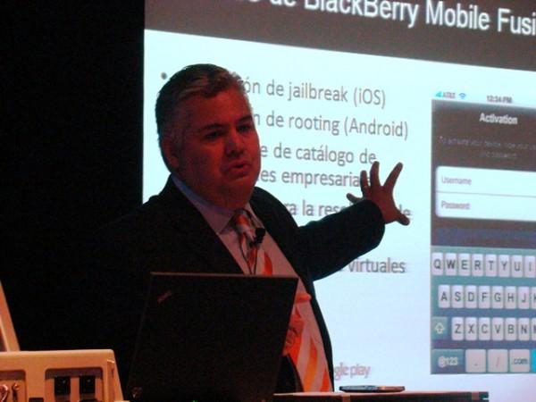 BlackBerry Mobile Fusion 18