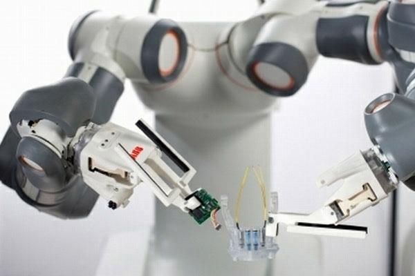 Fabricar-iPhones-Robots